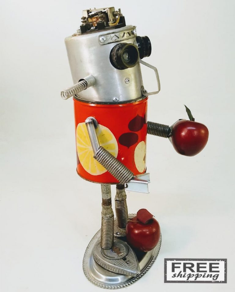 Johnny-Apple-Bot-No.2-Jones-Robo-Works-2