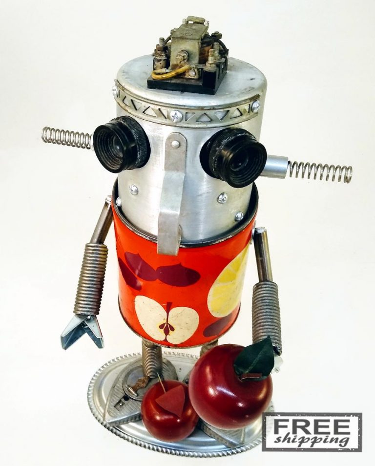 Johnny-Apple-Bot-No.2-Jones-Robo-Works-6